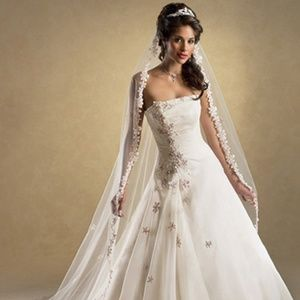 "Maggie Sottero ""Chanel"" Wedding Dress - Size 2"